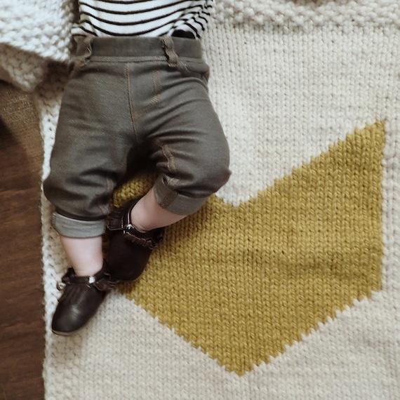 Geometric Blanket Knitting Pattern : Knitting pattern chevron baby blanket geometric modern