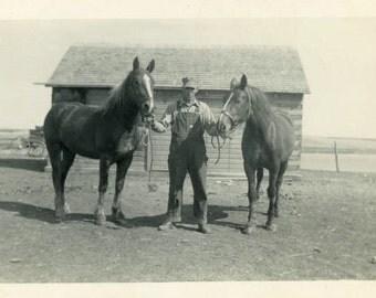 "Vintage Photo ""Country Life"" Snapshot Photo Old Antique Photo Black & White Photography Found Photo Paper Ephemera Vernacular - 160"