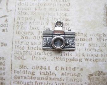 8 Camera Charms in Silver tone - C207