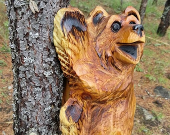 Chainsaw Carving Climbing Bear