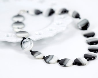 Chunky Beaded Necklace Black and White Mother of Pearl Necklace