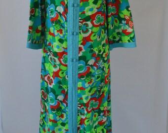 Vintage 1960s Housecoat Floral Kimono Style