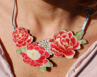 "Necklace ""Bouquet of Anne"""