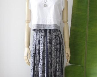 90s bandana skirt. 90s blue midi skirt. 90s soft grunge. Blue medallion skirt. Blue summer skirt. Bandana skirt. Festival skirt