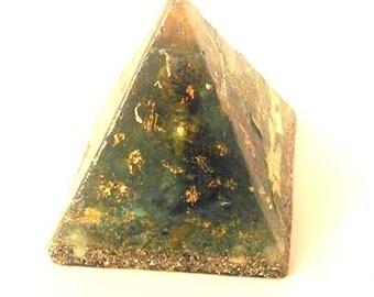 Pyramid Orgonite-Buddha Shungit marine-protection, interior-Blue-Gold-quartz-materials EMF - Spiritual Energy Healing Gift
