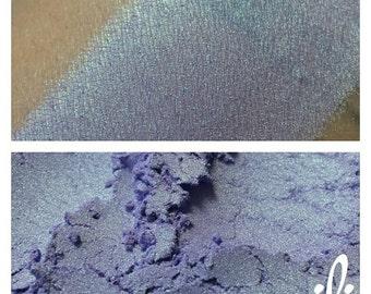 Irrelevance - Purple Pigment W/Green Highlight - Eyeshadow - ili
