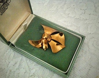 1940s Vintage Sterling Chatelaine Bow Brooch Pin in Original Jewelry Box . 40s Brass Colored Metal Costume Jewelry
