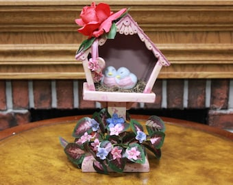 Birdhouse and Lovebirds Home decoration