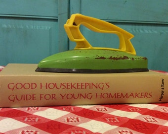 1960's Good Housekeeping's Guide for Young Homemakers