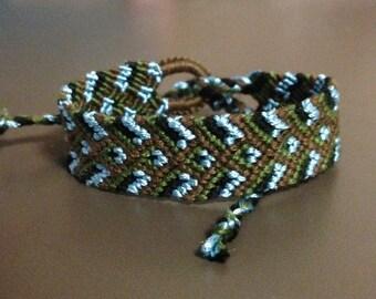 Friendship Bracelet: Sapphire Accent