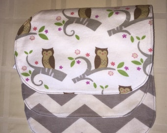 Set of two contoured burp cloths
