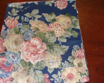 One Standard Pillow Sham, Cabbage Roses