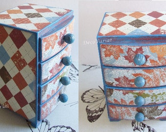 mini chest of drawers / jewellery box