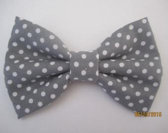 Grey polka dot bow tie,  Boy's grey bow tie, Adjuster grey bow tie. grey wedding bow tie, Gray poke a dot bow tie