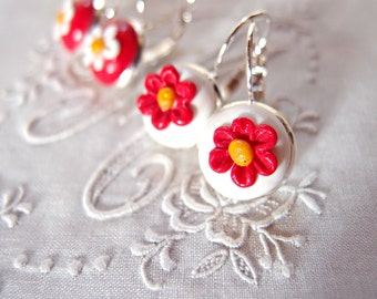 Pendant earrings with red flower-white flower earrings-elegant jewellery-Flower pendant earrings-mother's Day gift idea