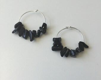 Hoop Silver earrings and black stones