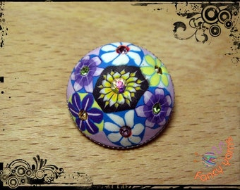 Button hand painted, with 7 rhinestones, mm.25