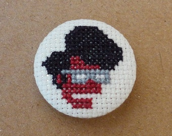 The IT Crowd cross stitch 31mm pinback button - Maurice Moss - Embroidered geek brooch