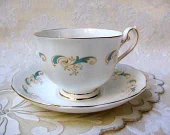 Elegant Vintage Grosvenor Teacup and Saucer