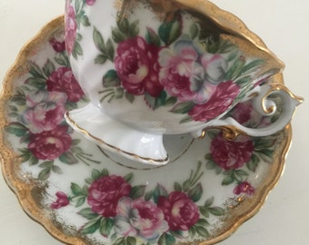 Ucagco roses teacup and saucer set/cottage style/shabby chic