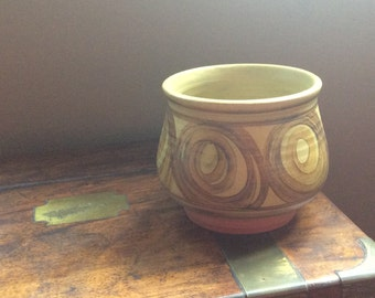 Pru Green Studio pottery bowl, Alvingham Pottery Lincolnshire in ochre mustard browns