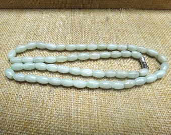 Free shipping natural green jade necklace oval bead necklace
