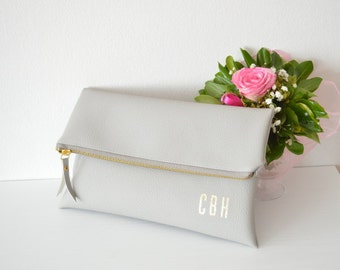 Light Grey Foldover Clutch With Gold Monogram / Personalized Clutch Bag / Bridesmaids Gift / Wedding accessory