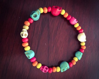 Rainbow colored Skull beaded bracelet