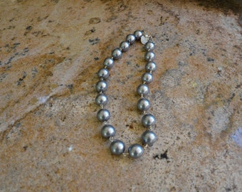 "18"" Large Gray Pearl Necklace"