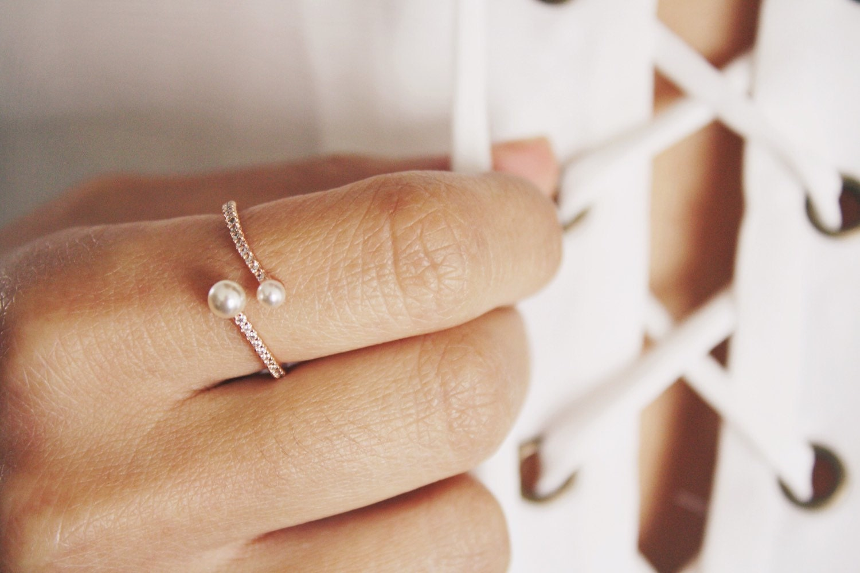 Elegant Pearl Wrap Ring rose gold ring/ pearl ring/ dainty