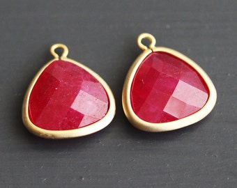 A2-302-MG-RU] Ruby / 14 x 16mm / Matt Gold plated / Triangle Glass Pendant /  2 pieces