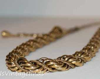 Vintage Large gold chain necklace