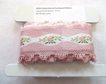 Vintage Embroidered Scalloped Ribbon 4036