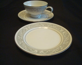 Imperial China by W. Dalton Japan / Whitney Pattern 5671  desert/salad  plate 2 available