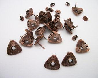 antiqued copper 10 earstud component, with 3 holes and nuggets.
