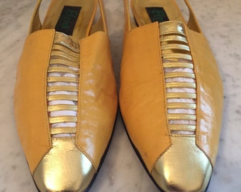 Vintage Elena gold ladies leather sling back gold shoes/size 8. Made in Spain.