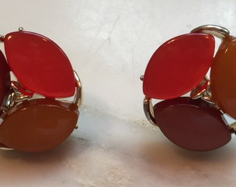 Vintage Lisner thermoset earrings