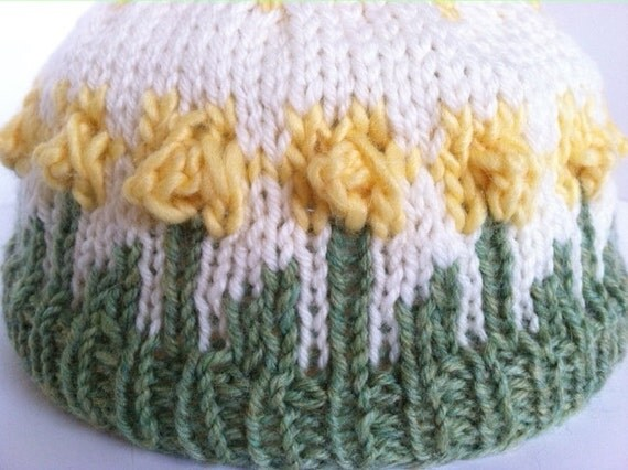 Daffodil Hat Knitting pattern (PDF Download) from KISSpatterns on Etsy Studio