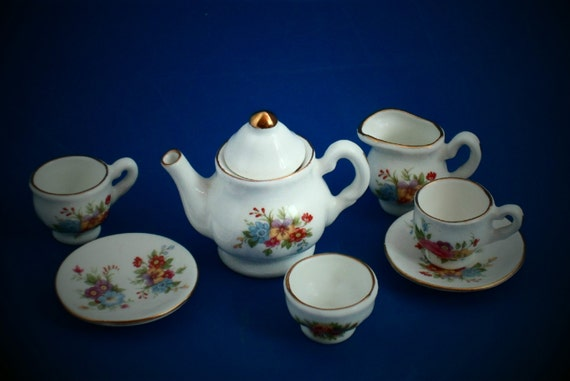 english bone china miniature tea service by lincolncollectibles. Black Bedroom Furniture Sets. Home Design Ideas