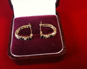 10 K Yellow Gold Earrings With 2 Diamonds & 2 Sapphires. 2.0 gm.