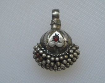 vintage antique ethnic tribal old silver pendant necklace beads charm