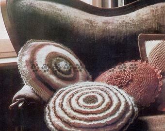 runde kissen h keln etsy. Black Bedroom Furniture Sets. Home Design Ideas