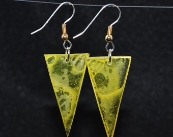 Triangular earrings, series 'translucent colours'