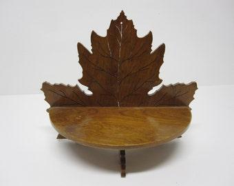 Wood leaf shelf