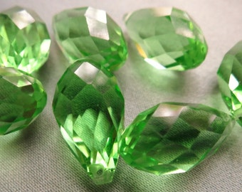 Green Peridot Faceted Teardrop Briolette Crystals - 18 x 10mm - 7 beads