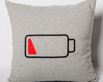 Cushion: Battery 20% on grey jersey
