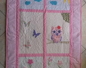 Aplique baby quilt - patchwork technique, handmade