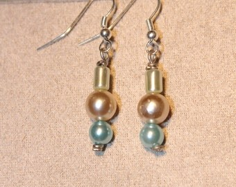Earrings - Mint, Cream and teal pearlized bead