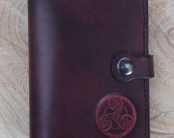 "Leather wallet , celtic design ""triskell number 1"", colour ""Prune"" (16 colours avaible)"