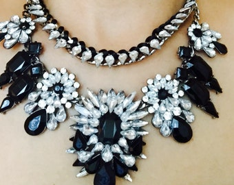 Beautiful- fashion-elegant- statement necklace